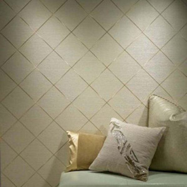 House couturier textured wallpaper
