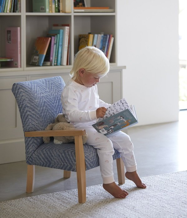 The-Dormy-House-National read a book day