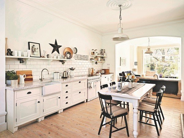 Shaker-Kitchen-by-John-Lewis-of-Hungerford.