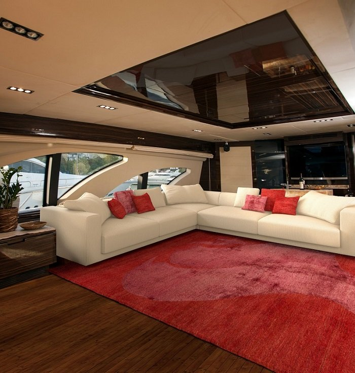 Topfloor-by-esti-how-to-choose-the-perfect-rug-A-yacht-featuring-a-Dream-rug-from-the-Script-Collection