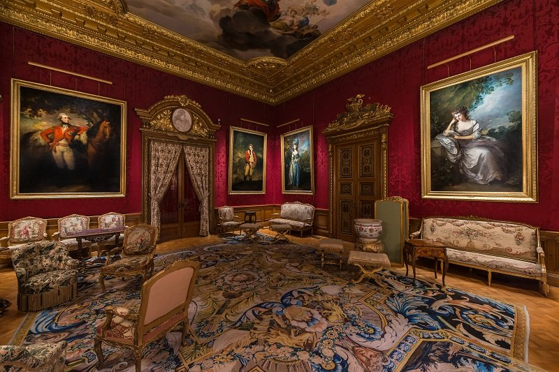 how-to-light-art-Waddesdon-Manor-Red-Drawing-Room