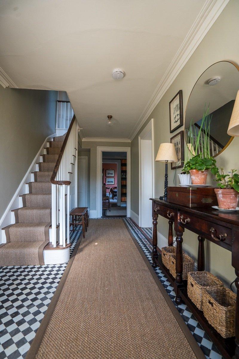 Alternative-Flooring-natural-floor-and-stair-runner