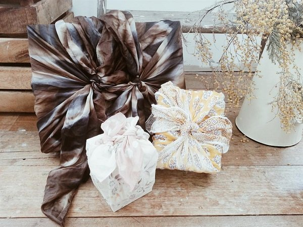 Wrapping - Christmas decorating tips