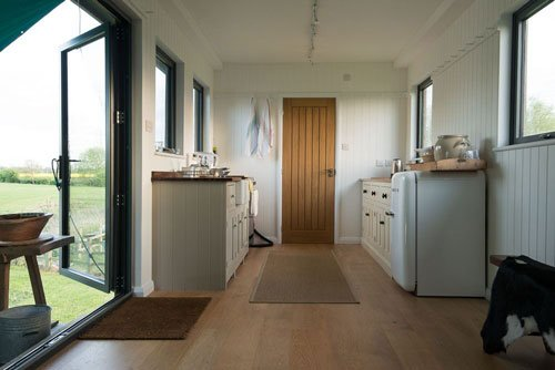 deVOL Cabin - the kitchen