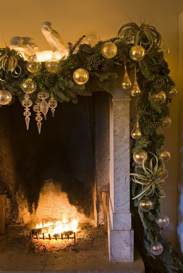 Fireplace - - Christmas decorating tips