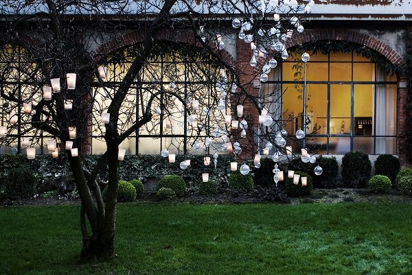 Garden - - Christmas decorating tips