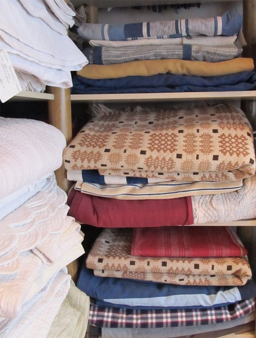 Bedspreads and blankets at Guinevere