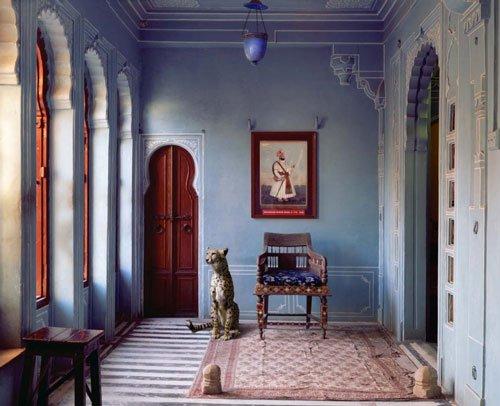 Karen Knorr-The-Maharajas-Apartment