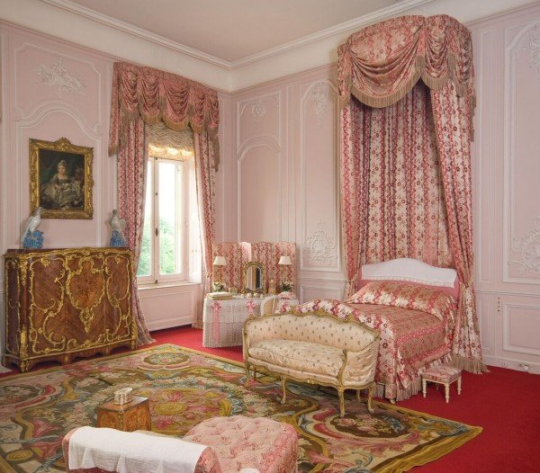 Waddesdon Manor, bedroom