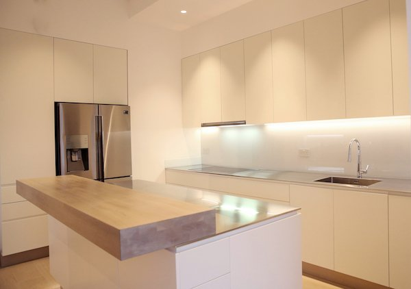 Ultra thin 15mm stainless steel worktop by GEC Anderson